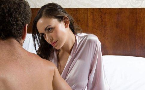 丈夫出轨将尽可能地感到困惑。您对婚外情的妻子了解多少?